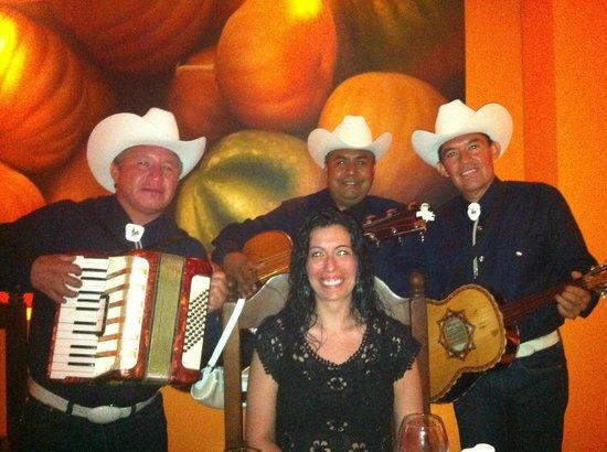 Paradisus Cancun : Mexican singers Serenade!!