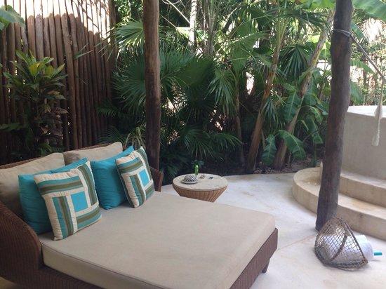 Viceroy Riviera Maya: Outdoor lounger