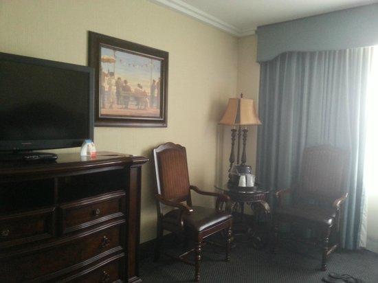 Resorts Casino Hotel: Seating area/TV