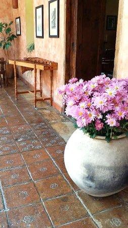 Hotel Casavieja: pasillo