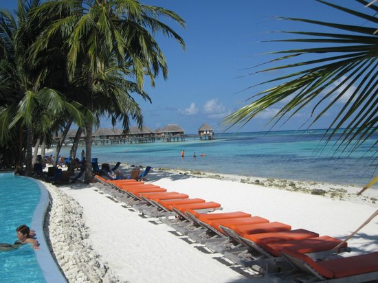 Club Med Kani : beautiful view from pool deck