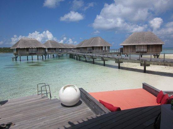 Club Med Kani : overwater bungaloos