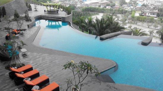Hotel Novotel Lampung: Pool