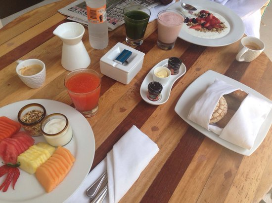 Viceroy Riviera Maya: Breakfast outside