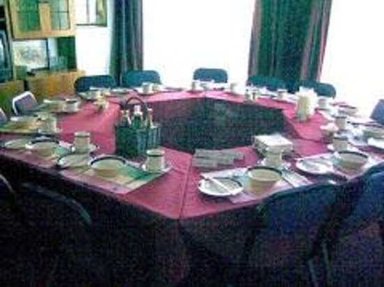 Ferndale Lodge: ONE OF THE COFERENCE ROOMS