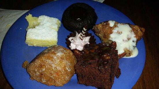 Tusker House Restaurant : Mini Desserts