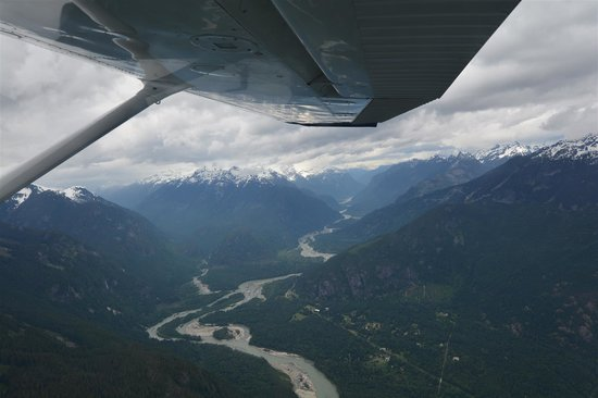 Glacier Air: Squamish Valley