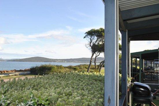 Acclaim Rose Gardens Beachside Holiday Park: Beach villa view from balcony