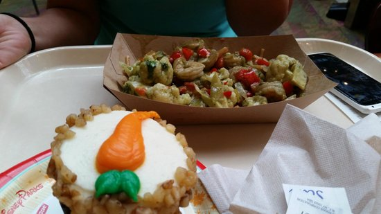Sunshine Seasons: Thai Shrimp with Noodles & Carrot Cupcake