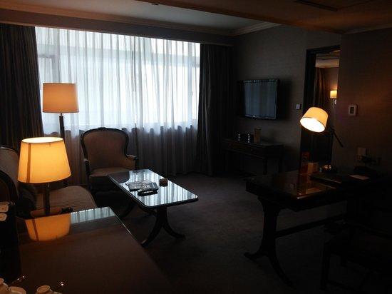 Marco Polo Hongkong Hotel: ベッドルームに付属しているお部屋です