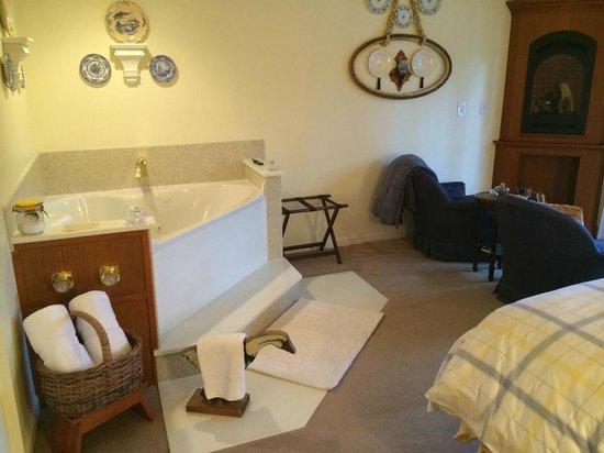 All Seasons River Inn : Serenity Suite