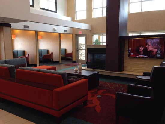 Residence Inn Champaign : Beautiful Lobby Decor
