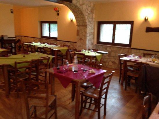 La Ruota Bar Ristorante Pizzeria: interno del ristorante