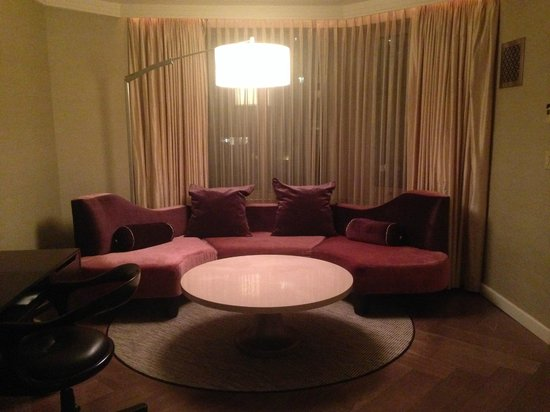 The London NYC: Living room of the London Suite