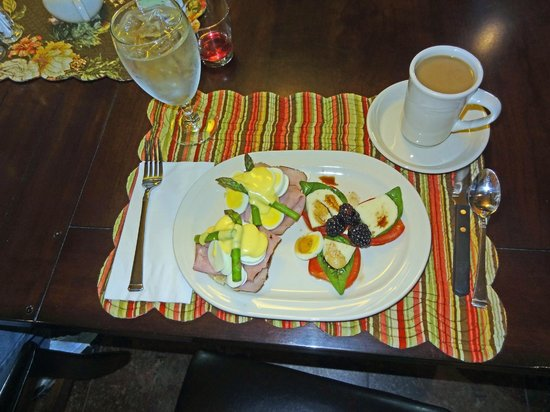 Summer Creek Inn: one of our breakfasts!
