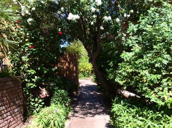 Royal Palms Resort and Spa: Path to our Casita