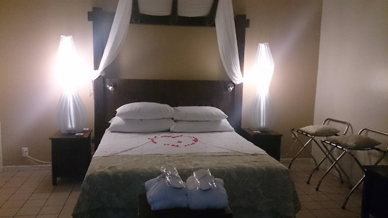 Crown Beach Resort & Spa: Bedroom