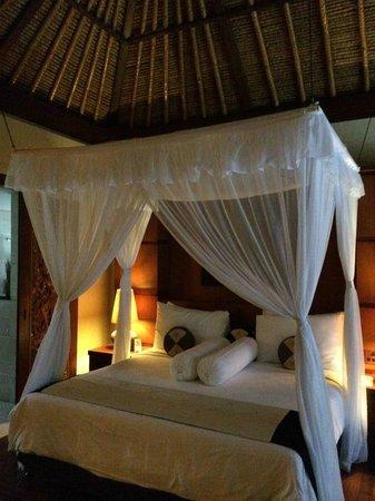 Pool Villa Club Senggigi Beach Lombok : bedroom
