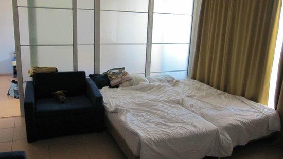Hotel Glarus: jeden z pokoi w apartamencie