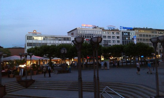 Hotel Zentrum: View of Hotel from the Square .. the building with STADA logo on top