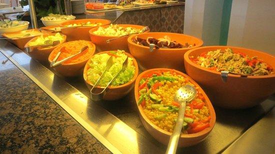 Leonardo Plaza Cypria Maris Beach Hotel & Spa: lunch buffet