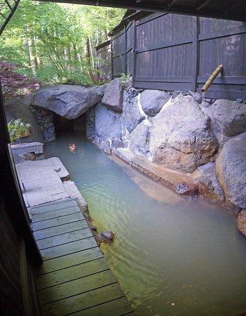 Takefue: Личная ванна на открытом воздухе