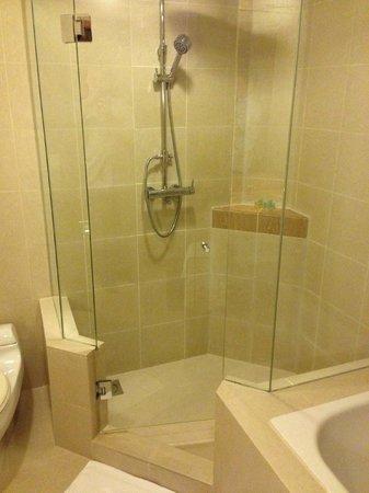 Concorde Hotel Kuala Lumpur : Bathroom