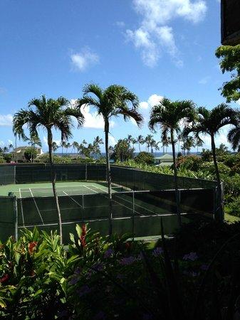 Kalapaki Joe's Poipu : looking out onto tennis courts