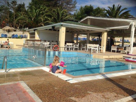 Zafiris Hotel: Poppy in the children's pool