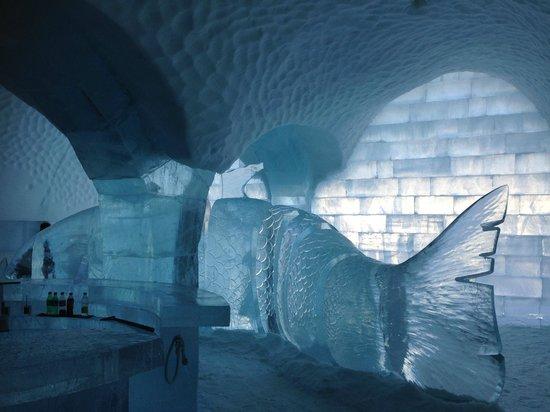 Icehotel: Ice bar japanese fish theme