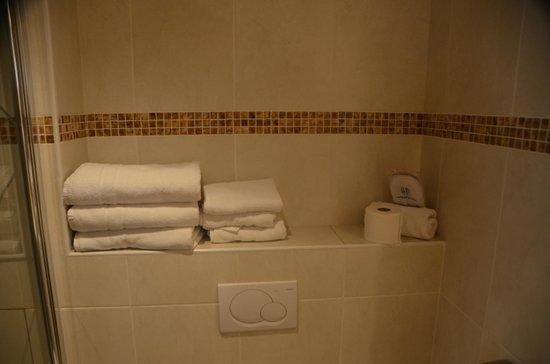 Grand Hotel Dore : Bathroom