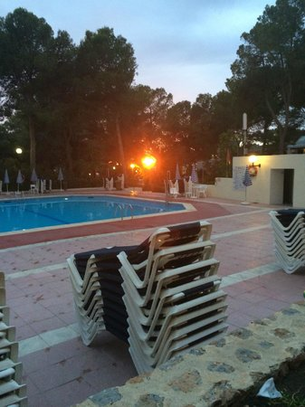 Fiesta Hotel Tanit: Am Pool
