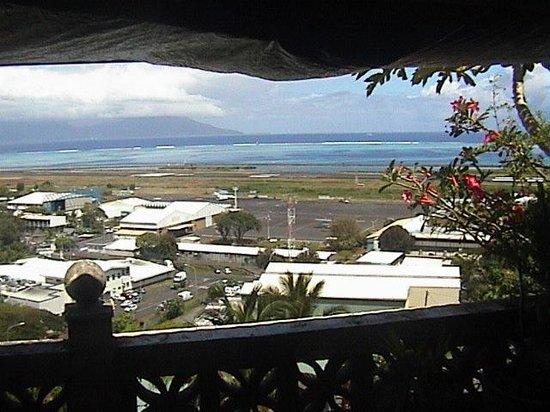 Tahiti Airport Lodge : Breakfast View