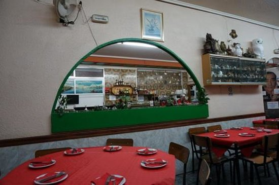 Cerveceria Juan: Durchblick zur Tapasbar
