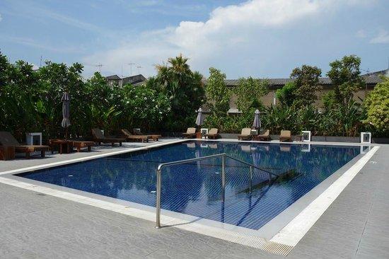 Best Western Premier Amaranth Suvarnabhumi Airport : Swimming Pool