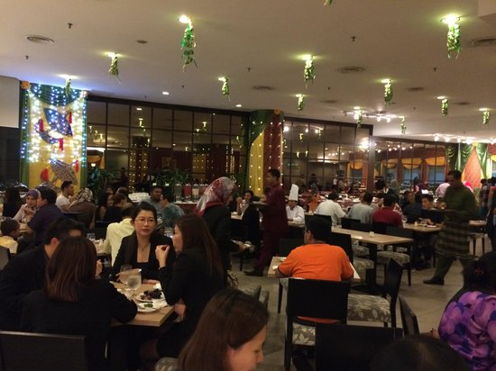 Furama Bukit Bintang: Dinner Buffet