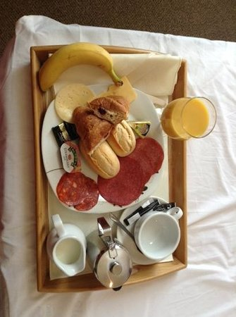 The Pearl Hotel: My delicious breakfast served to my room