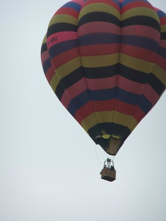 Darfield Motel: Sky Ballooning available in Darfield- This is flying over the motel