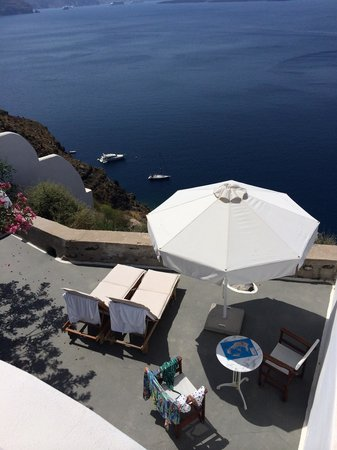 Nostos Apartments: Our balcony at Nostos - fantastic