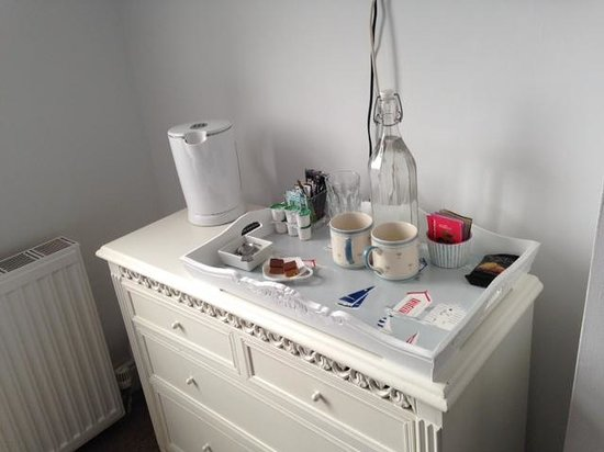3 Porthminster: Tea and Coffee station