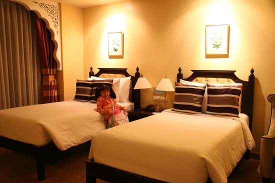 Sheik Istana Hotel : bedroom 3