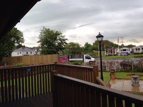Parkdean - Trecco Bay Holiday Park: Lodge area located at main entrance next to maintenance yard, very noisy!