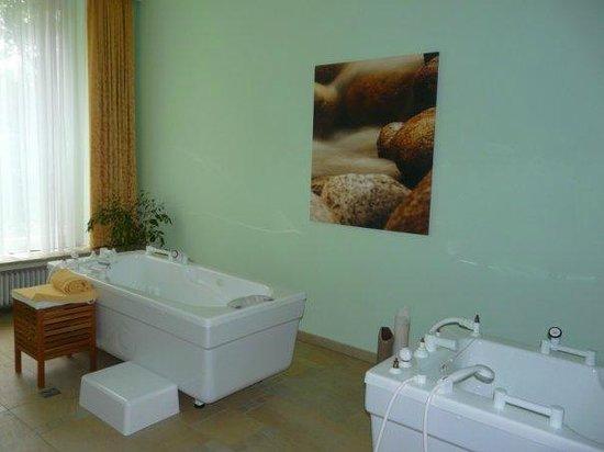 Hotel Elisabethpark: Радоновые ванны в СПА-центре отеля