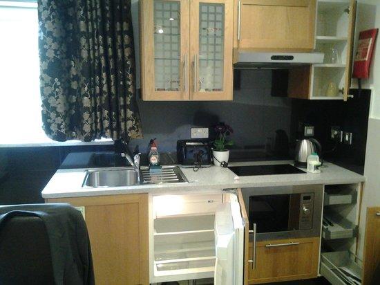 Hyde Park Apartments: No 12 - Kitchen area