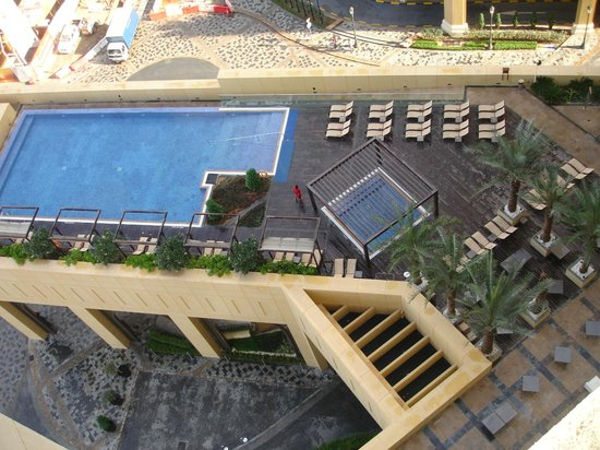 JA Ocean View Hotel: View of swimming pool from our room