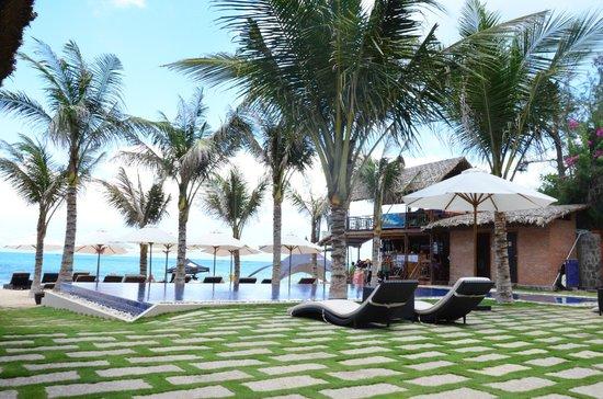 Ananda Resort: Beach View
