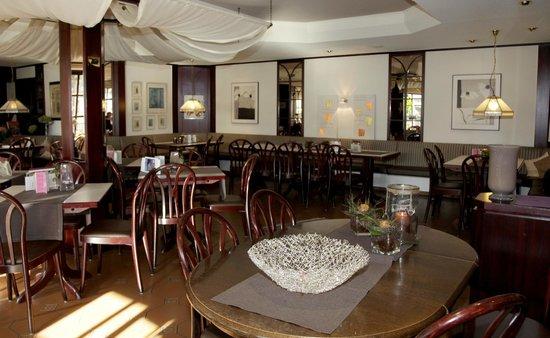 Cafe-Restaurant-Conditorei Poellmann