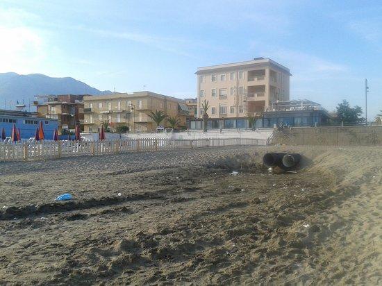 Hotel Villa Eleonora: spiaggia