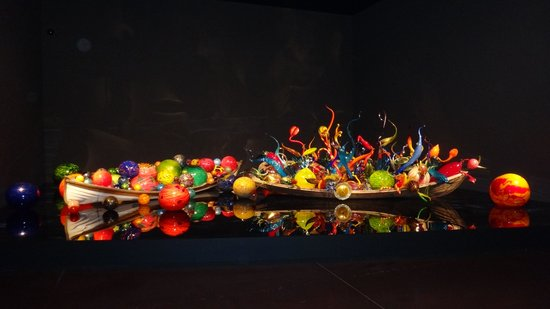 Jardín y cristal Chihuly: Инсталляция 2