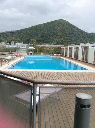 Hotel Novotel Salerno Est Arechi: piscina